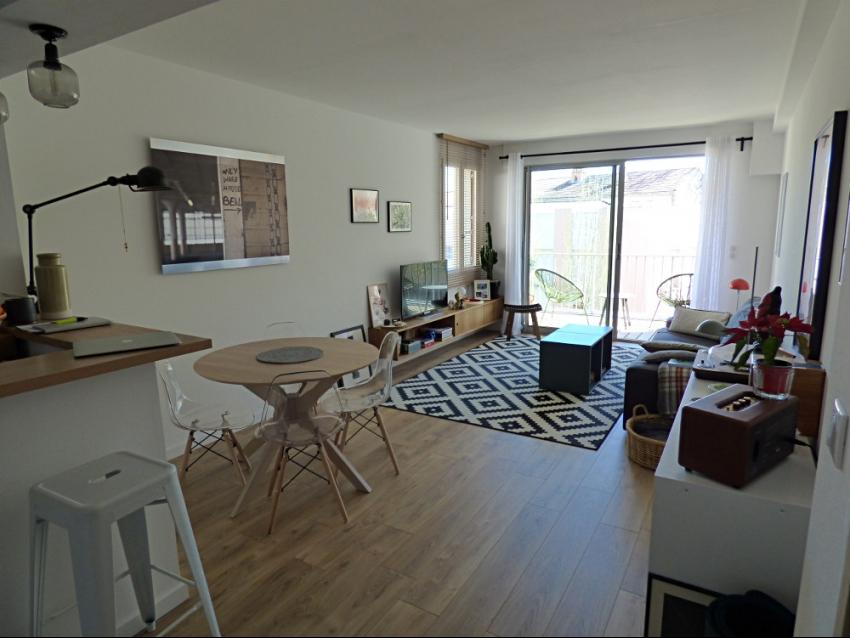AVIGNON EXTRA MUROS: Très bel appartement climatisé avec terrasse et box, très proche rempart