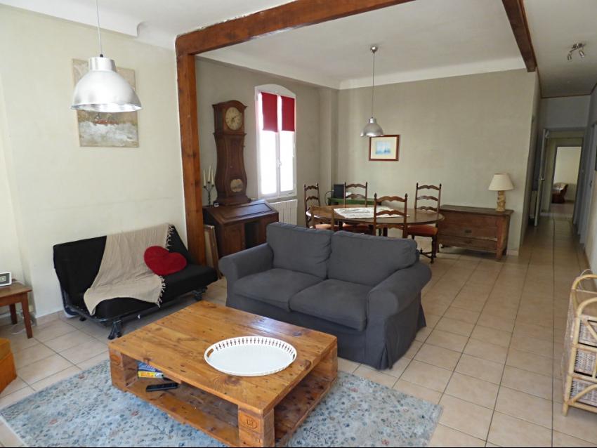 AVIGNON INTRA MUROS: Grand appartement lumineux et au calme avec 3 chambres en partie climatisé