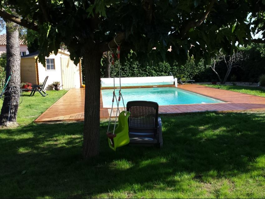 Luberon les taillades villa avec piscine et jardin clos for Jardin clos
