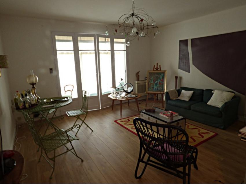 AVIGNON EXTRA MUROS: Porte Limbert Très bel appartement au calme avec 3 chambres