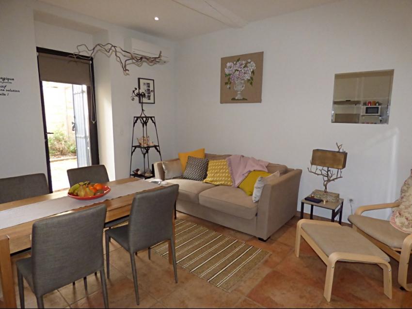 AVIGNON INTRA MUROS: Appartement de Charme avec terrasse au coeur du Centre Historique