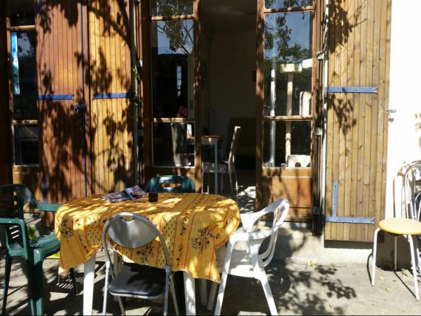 AVIGNON EXTRA MUROS: Grande maison avec jardin et 4 chambres au calme proche Université