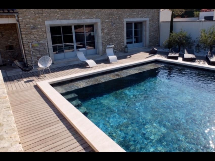 LUBERON - ISLE SUR LA SORGUE: Très beau et grand Mas au calme avec piscine sécurisée