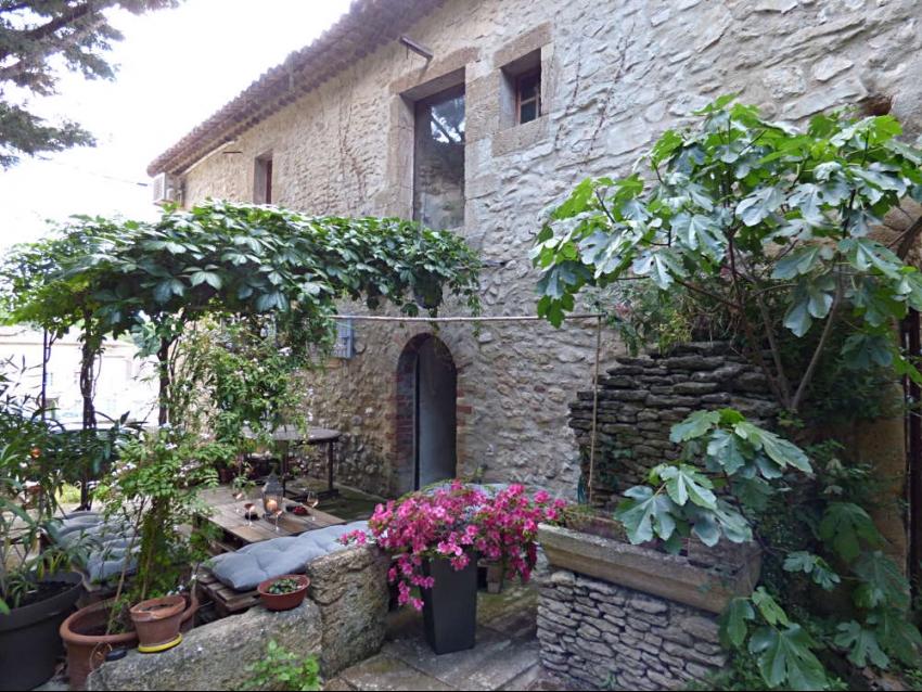 location-luberon-robion-façade est